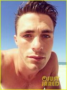 Colton-haynes-giant-pecs-take-over-this-shirtless-pic-01
