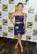 Billie-lourd-scream-queens-press-line-at-comic-con-in-san-diego-07-22-2016-9