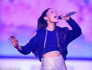 261E653A00000578-2971410-What a wardrobe Ariana sang her heart out in a number of fun and-a-67 1425012491260
