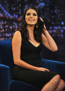 CECILY-STRONG-SATURDAY-NIGHT-LIVE-OAK-PARK-facebook