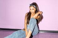 Ariana-grande-hot100-bb35-2015-billboard-650