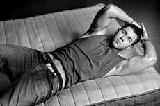 Nick jonas bed.jpg