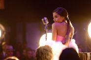 Ariana-grande-old-school