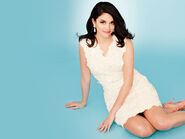 Cecily-Strong-in-Michigan-Avenue-February-2014-cecily-strong-38420658-650-488
