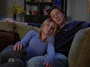 6x19 J.D. and Elliot cuddle