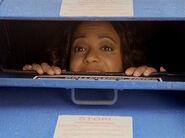 3x18 Carla mailbox