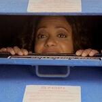 3x18 Carla mailbox.jpg