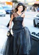 Selena-Gomez-who-says-music-video-sellygomy22-19456730-266-400