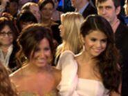 Selena Gomez Greets Ashley Tisdale 2011 People's Choice Awards