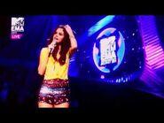 Selena Gomez & her Clone (MTV EMA 2011)