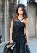Selena ws videoclip black dress