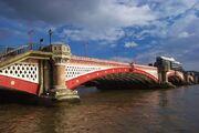 Мост Блэкфрайарс.jpg