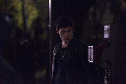 Alec 2x19.jpg