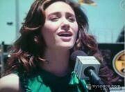 Emmy sing 3 dec07.jpg