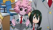 Mina looking at tsu