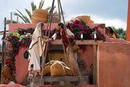 Aladdin - Photography - Aladin and Jasmine in Market