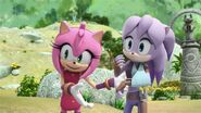 SonicBoom Amy compliments Sticks behavior to Perci