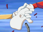 Sonic holds Knuckles ' hand - Sonic X Episode 5 Cracking Knuckles