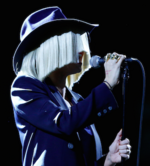 Sia performing live.png