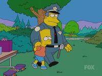 Wiggum aresztujący Barta
