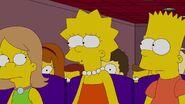 Lisa Goes Gaga 23