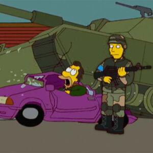 Lenny carro amassado tanque.jpg