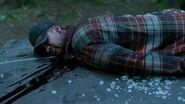 S01E02-The-Lure-022-Dead-man