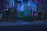 SFU Wejście do parku w nocy