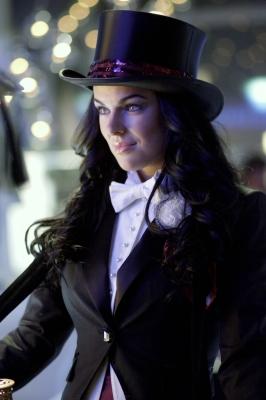Zatanna Zatara's suit