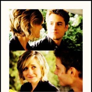 Chloe-Oliver-tv-couples-16040007-909-1000.jpg