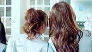 SNH48《黑白格子裙》MV