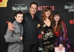 Netflix Premiere Series Unfortunate Events 5XJ6Dqr3ctOl