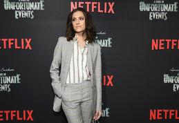Netflix Premiere Series Unfortunate Events eV8RWgKAJH1l