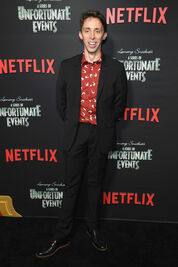 Netflix Premiere Series Unfortunate Events wL1frTdsW10l