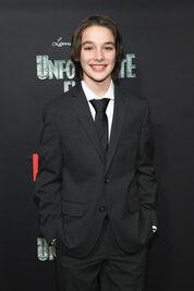 Netflix Premiere Series Unfortunate Events 8lL2SfuaypDl