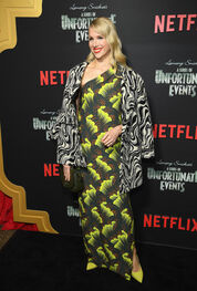 Netflix Premiere Series Unfortunate Events zdVi3Jf V jl