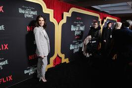 Netflix Premiere Series Unfortunate Events 2RcqNmxvkF1l