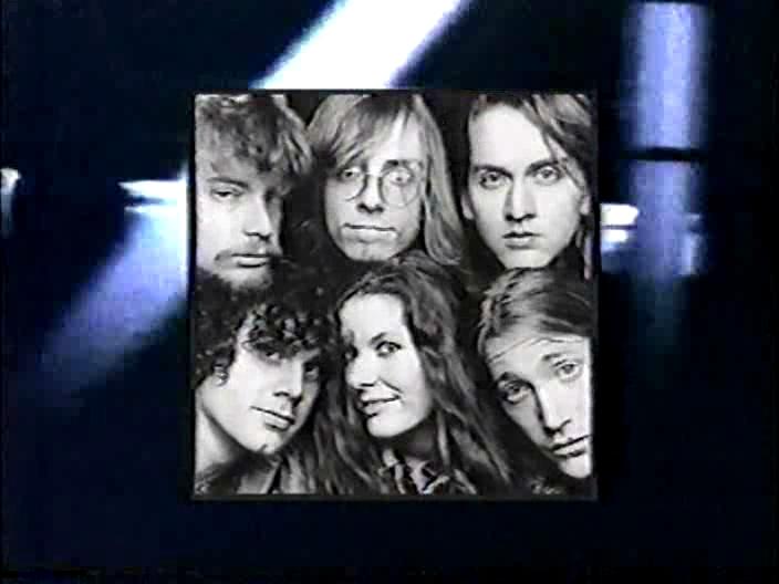 Edie Brickell & The New Bohemians