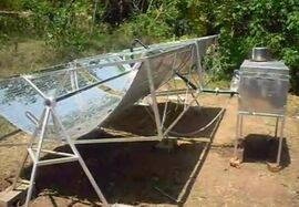 Saracon Solar Cooker side view, 2009.jpg