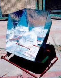 Flat reflector open solar cooker1.jpg