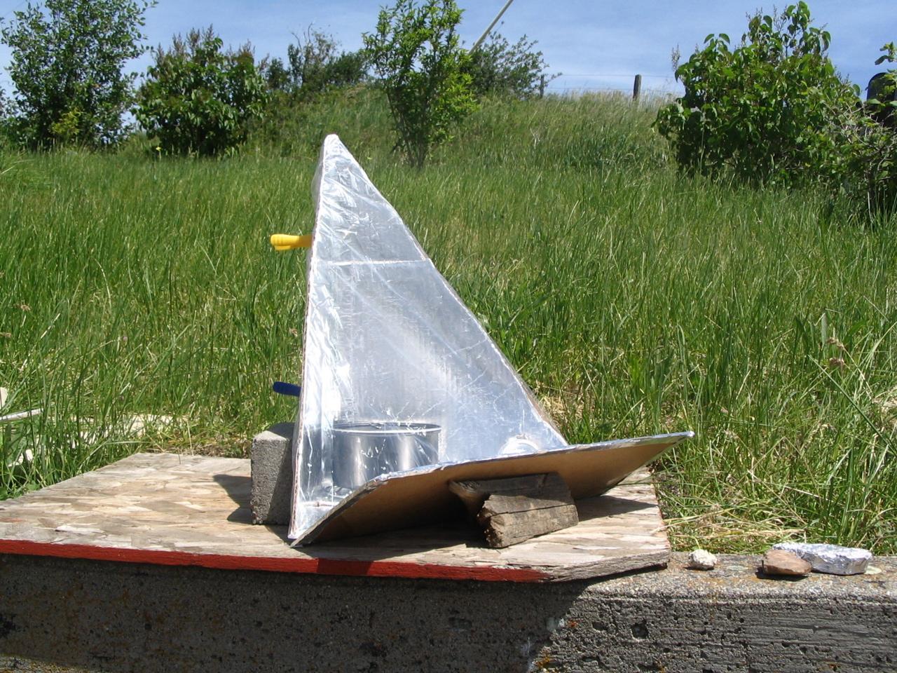 EZ-3 Solar Cooker