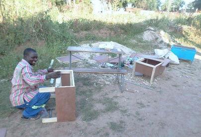 Solar box cooker construction Zimbabwe, Musonda, 11-15-17 copy