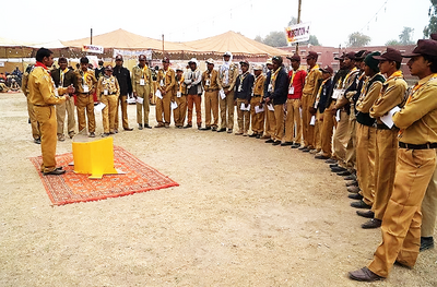 Lightoven III training with Boy Scouts in Pakistan.png