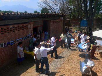Cocina Solar Mexico 2013.jpg