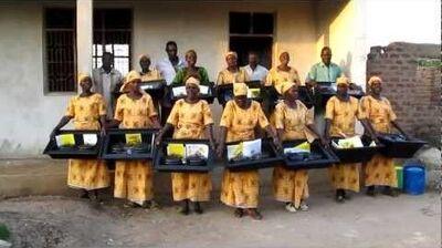 Solar_Liberty_Foundation_Solar_cookers_in_Kitenga,_Tanzania