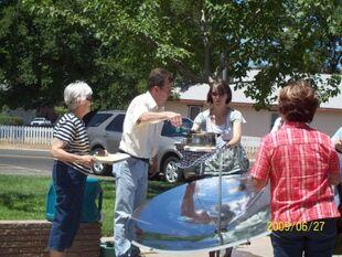 http://www.solarcooker-at-cantinawest.com/parabolic_solar_cooker_solar_burner
