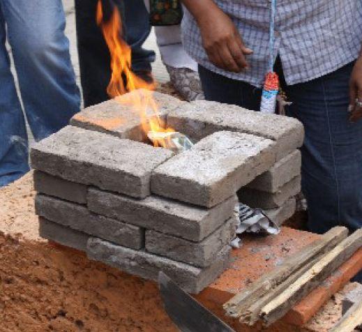 16-brick rocket stove Mexico 2012.jpg