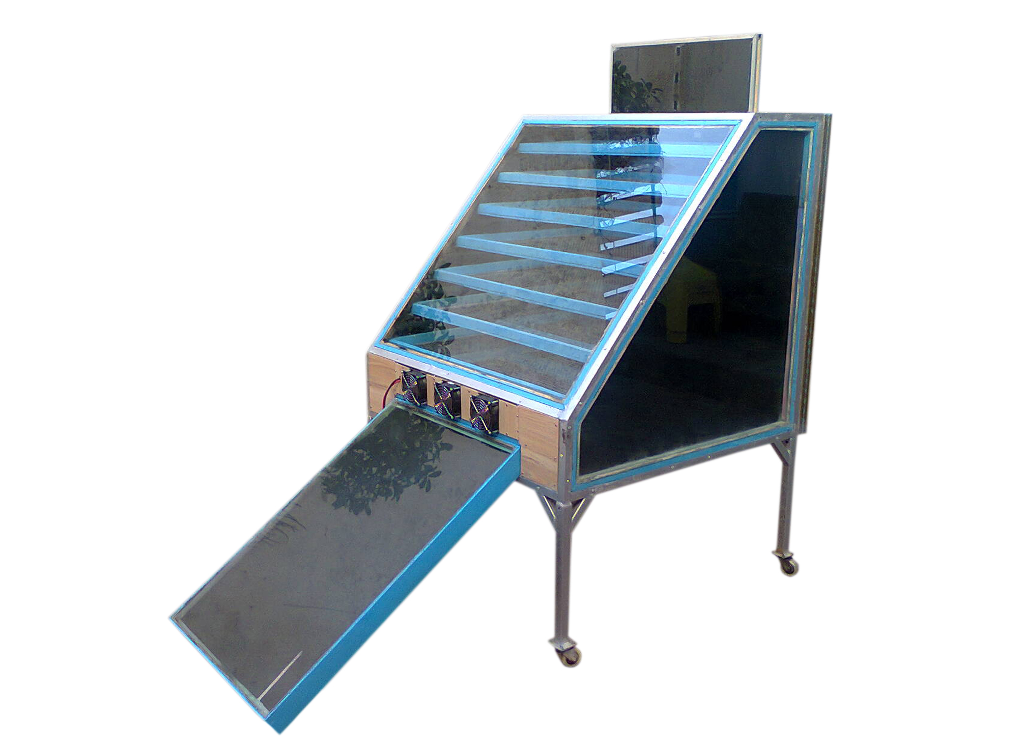Khan's Solar Food Dryer.jpg