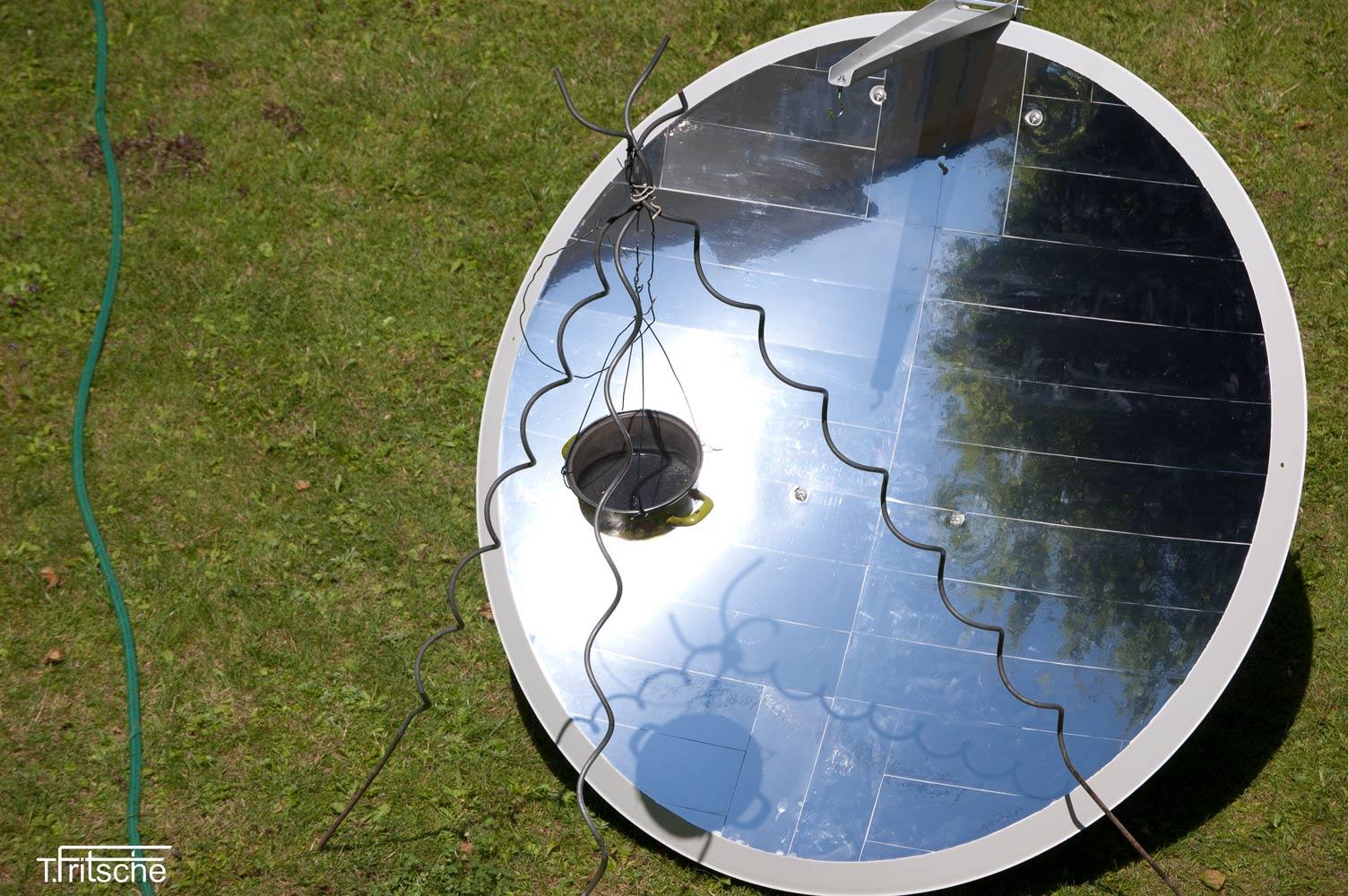 Satellite Dish Cooker (English)