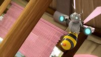 SB S1E27 Bee Bot